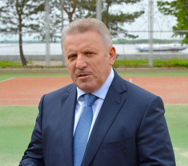 Вячеслав Шпорт поздравил футбольную команду «СКА-Хабаровск» с выходом в Российскую Премьер-Лигу